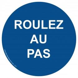 R007 - Obligation de rouler au pas