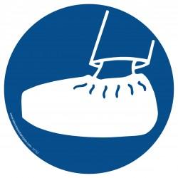 M153 - Port de sur-chaussures obligatoire
