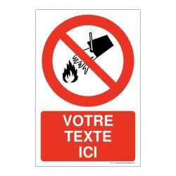 P011 - Interdiction d'éteindre avec de l'eau + Texte