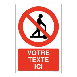 P050 - Interdiction de monter sur les chariots + Texte